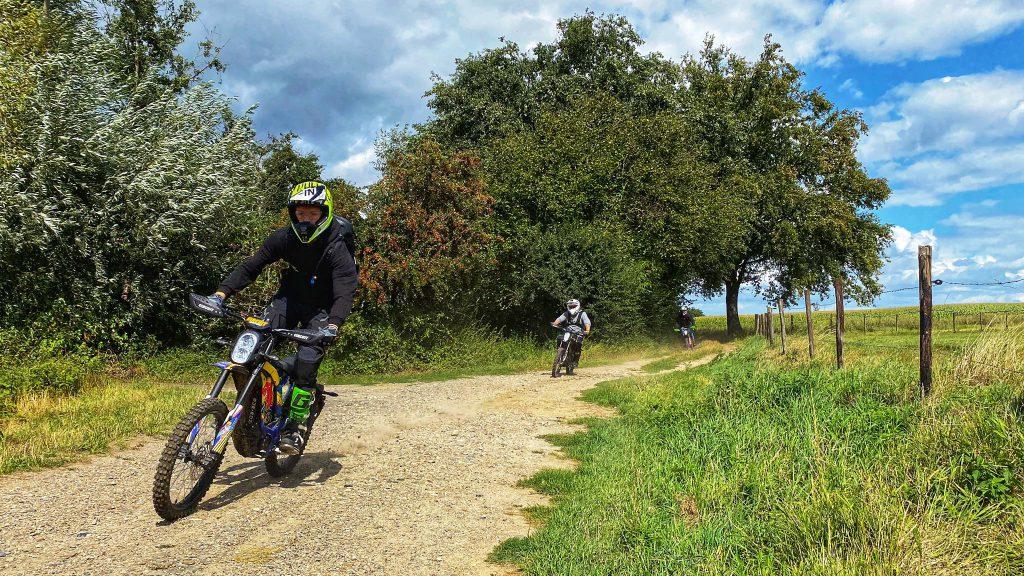 elektirsch offroad rijden E-tour Sur-ron Endurofun 16